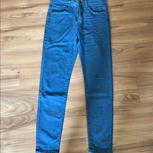 Light blue wash skinny jeans